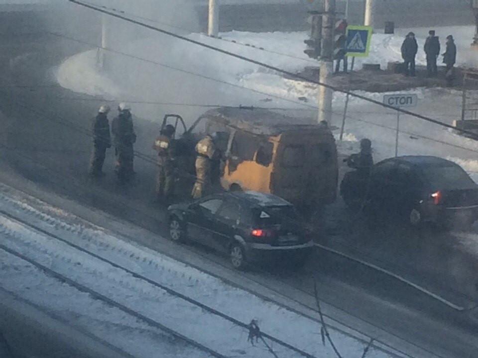 ВМагнитогорске загорелась маршрутка спассажирами