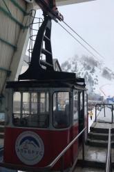 Сумасшествие машин? Подъемник с магнитогорскими сноубордистами попал в аварию в Приэльбрусье