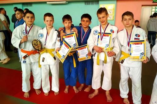 «Золото», «серебро», четыре «бронзы». Дзюдоисты из Магнитогорска завоевали медали на всероссийском турнире
