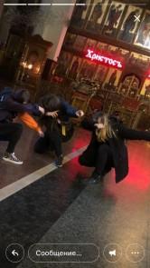 Pussy Riot по-магнитогорски. В Кафедральном соборе девушка пыталась прикурить от свечи