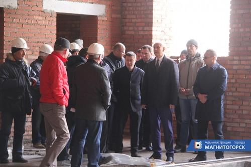 По графику. Сергей Бердников побывал на строительстве новой школы