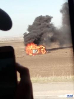 «Мерседес» сгорел, молодой водитель – погиб. На трассе под Магнитогорском автомобиль улетел в кювет