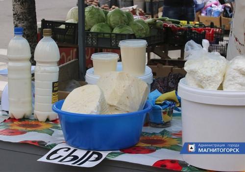 Покупатели рискуют здоровьем. Молоко и мясо продают в антисанитарных условиях