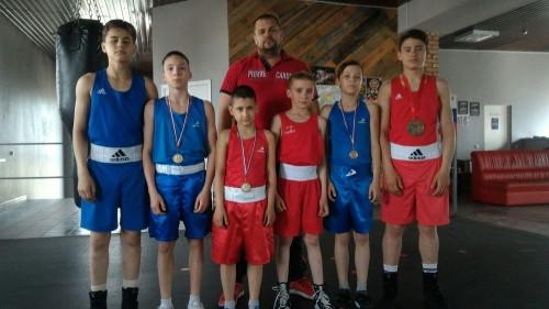 Из Тюмени — с медалями. Магнитогорские боксеры успешно выступили на престижном турнире