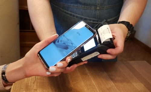Интересная статистика. Мужчин на Урале кормят смартфоны
