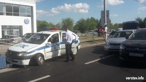 Отгадайте, кто виноват! На проспекте Ленина машина ДПС въехала в «Приору» и «Ситроен»