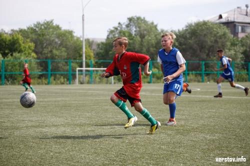 Жарче, чем на мундиале! 12-летние футболисты сразились за кубок «Верстов.Инфо»