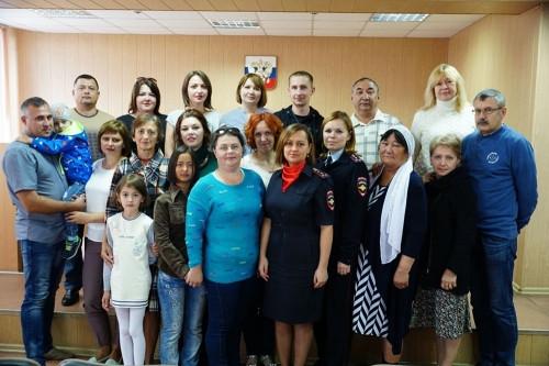 На присягу становись. В Магнитогорске 17 иностранцев обрели новую родину