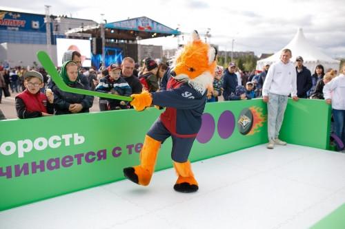 Болельщики «включились» в хоккейный сезон. «МегаФон» и «Металлург» устроили шоу высоких технологий