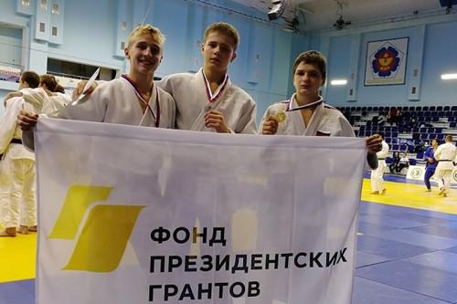 Три «золота», «серебро» и «бронза». Магнитогорские дзюдоисты успешно выступили в Тюмени