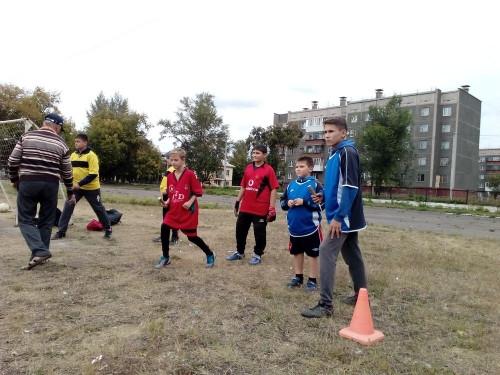 Самый спортивный поселок. «Гайдаровцы» соревновались в метании гранаты и велогонке