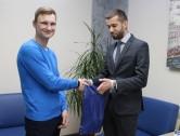 Кредит Урал Банк наградил очередного победителя акции по сервису Google Pay