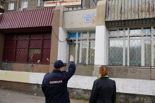 Позаботились о безопасности подростков. Полицейские провели рейд в многоквартирных домах