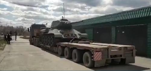 Загадочный поход «тридцатьчетверки». Легендарный танк отправили в городской музей, а он оказался в… частной коллекции