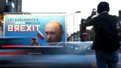 Три билборда на границе Лондона. Британские активисты разместили благодарственные плакаты с Путиным