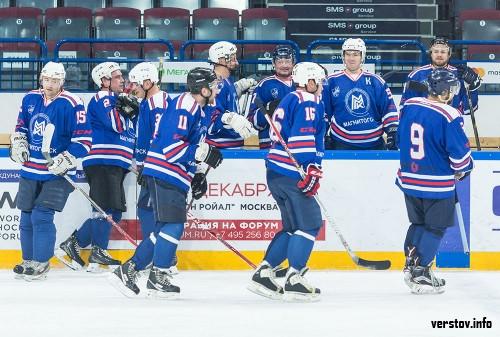 Три дня хоккея. В Магнитогорске впервые прошел мемориал Валерия Постникова