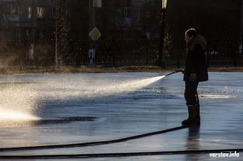 Погода вносит свои коррективы! Первые городские катки в Магнитогорске начали открывать только на этой неделе