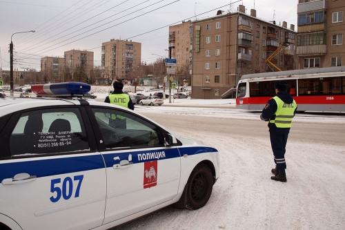 В ноябрьских ДТП 25 человек пострадали, двое – погибли. В Магнитогорске ГИБДД провела рейд «Пешеход»