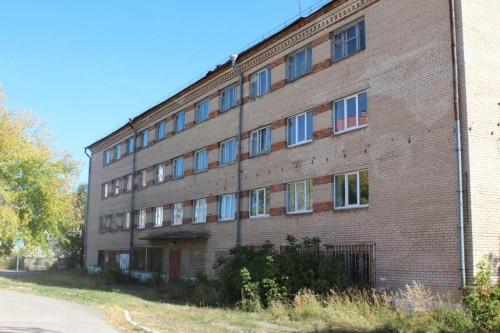 Не смогли продать и отдали бесплатно. Магнитогорская епархия получила четырехэтажное общежитие под Дом для мамы