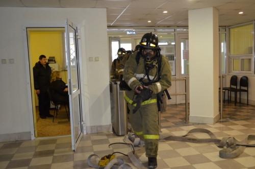Работа была парализована на час. Из филиала энергетической компании эвакуировали более 100 человек