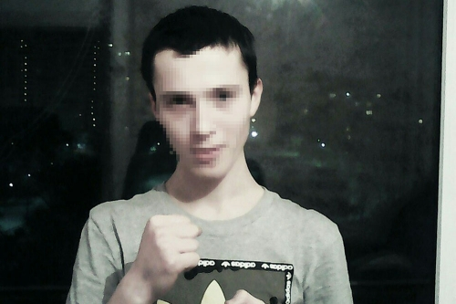 «Похоже, из дурдома, полный неадекват». В Магнитогорске полицейские задержали алкоголика-сироту, пристающего к детям