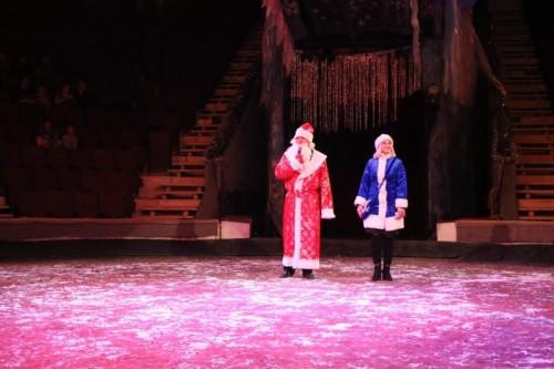 Полицейский Дед Мороз. Магнитогорские стражи правопорядка выступили на арене цирка