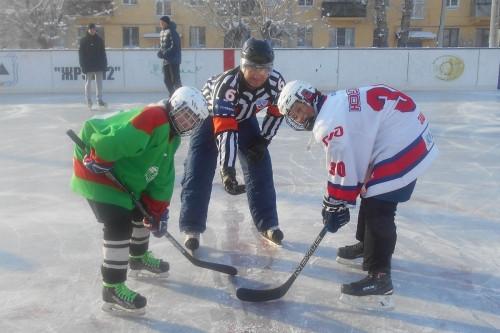 Хоккейный турнир на 12 участке. «Гайдаровец» Доминик Типасев стал обладателем необычного приза