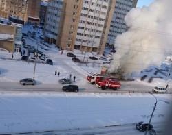 Выгорел полностью! На Тевосяна вспыхнул торговый киоск
