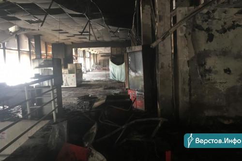 Уничтожено около 15 торговых точек. Магнитогорец прогулялся по выгоревшему торговому центру