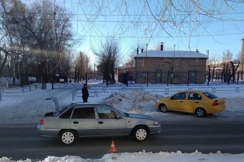 Переходил не там, где надо. В Магнитогорске водитель «Дэу Нексии» сбил 17-летнего подростка