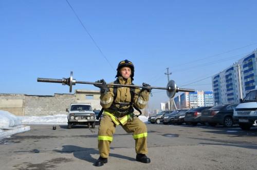 Спорт для настоящих пожарных. В Магнитогорске прошли соревнования по пожарному кроссфиту