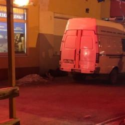 Без шансов. На улице Жукова из окна многоэтажки выпал мужчина
