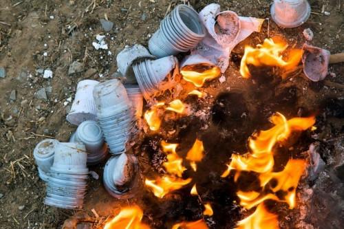 От маленькой искры до большой трагедии. В Магнитогорске участились случаи возгорания мусора
