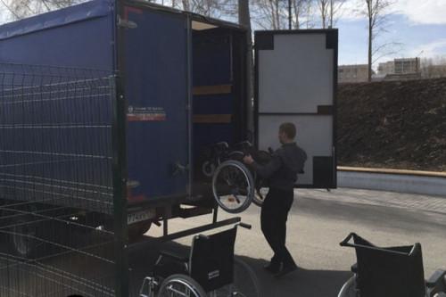Инвалиды сами попросили снять видео. На спортплощадке Магнитогорска дети на инвалидных колясках оказались здоровыми
