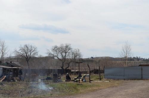 Жгли, жгут и будут жечь? В поселке Поля Орошения магнитогорских пожарных встретили кострами