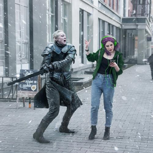 Джон Сноу и Дайнерис Таргариен. На уральских улицах появились герои «Игры престолов»