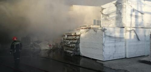 Тушили несколько часов. Специалисты устанавливают причину вчерашнего пожара на магнитогорском предприятии