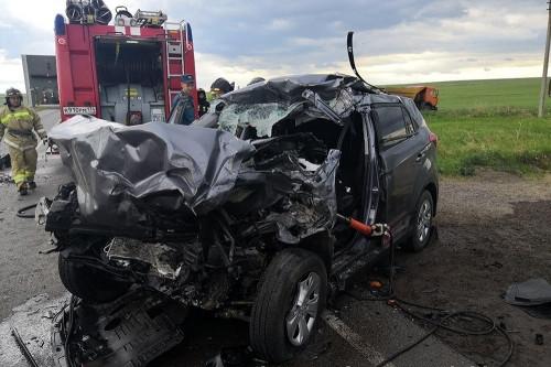Водитель иномарки погиб на месте. Под Магнитогорском «Хундай Крета» «влетел» в «КамАЗ»