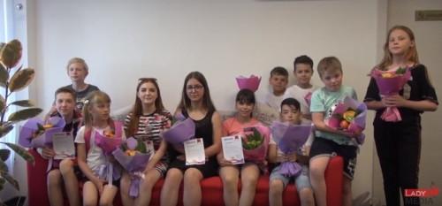 Юные звездочки! Начинающие тележурналисты и блогеры получили свои первые дипломы