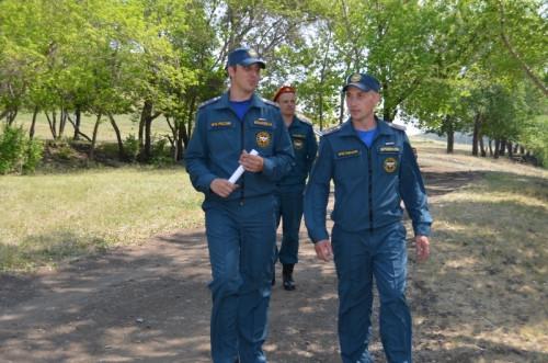 С начала года в черте города утонули два человека. Сотрудники МЧС провели рейд на берегу Урала