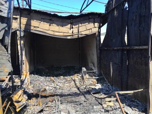 «Остался только пепел». Предпринимательница, торговый павильон которой сгорел на ЦГЯ, рассказала о сумме ущерба