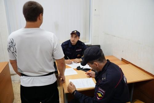 Проверяли мигрантов, выписывали штрафы. За сутки до страшного пожара на ЦГЯ наведались силовики