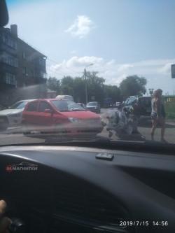 Неаккуратно получилось. В Магнитогорске сотрудник городского мотовзвода ДПС попал в аварию