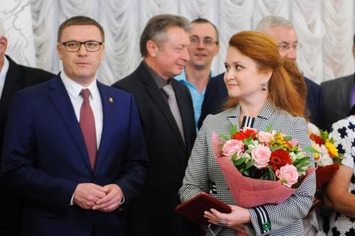 «За сохранение культурных традиций». Лена Колесникова удостоена высшей региональной награды