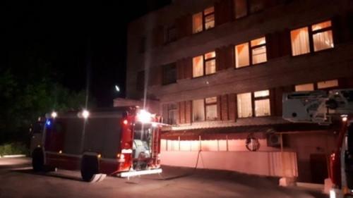 Ночью в Магнитогорске горела психбольница. Пожарные работали по повышенному уровню сложности