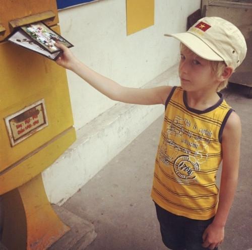 Повзрослеть можно! Магнитогорцы получили свою открытку из Вьетнама спустя 6 лет