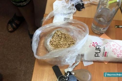 400 граммов героина на двоих. В Магнитогорске полицейские поймали сбытчиков крупной партии наркотиков