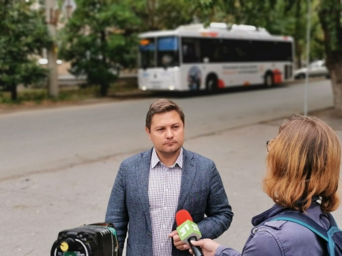 Пассажиры его уже оценили. В аэропорту Челябинска пассажиров встретит умный автобус