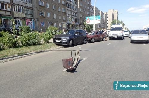 Крупно попал! В Магнитогорске водитель «десятки» протаранил несколько машин
