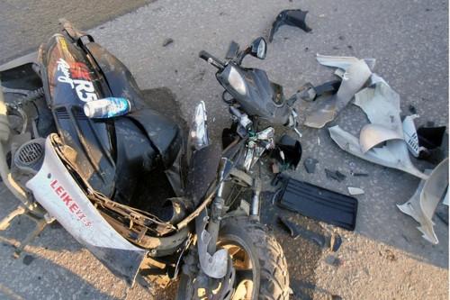 Ответят родители. 14-летний подросток на мопеде устроил ДТП на левом берегу